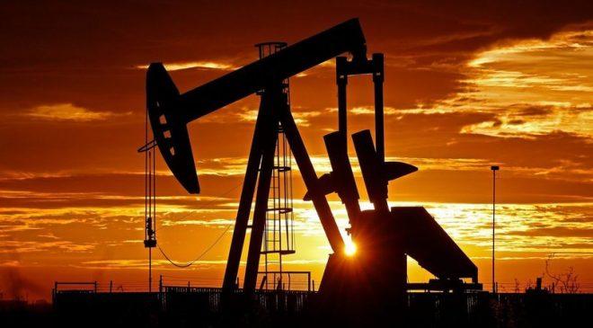 Brent Petrolün Varil Fiyatı Yeni Haftaya Düşüşle Başladı
