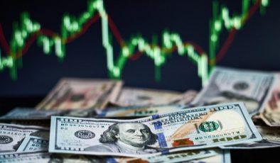 Dolar 8.30 Liranın Altında Haftanın Verilerini Bekliyor